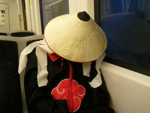 Itachi fell asleep at the train