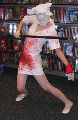 Silent Hill 2 Bubblehead Nurse Cosplay Fotos